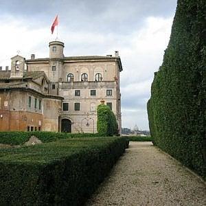Scontro in Vaticano, l'Ordine di Malta si schiera contro la Segreteria di Stato