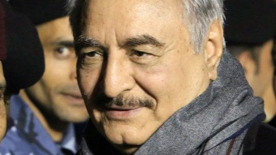 Libia, Putin punta su Haftar: il generale in visita su portaerei russa