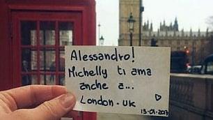 """""""Ti amo"""" da ogni parte del mondo: il messaggio damore di Michelly diventa virale"""