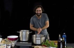 E DonPasta fa cucinare le nonne del mondo