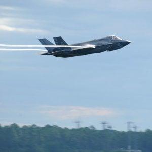 Hacker russi, blitz contro l'Aeronautica a caccia dei segreti dell'F-35