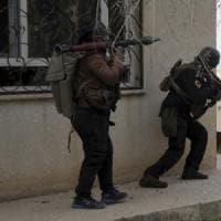Iraq, media: l'Isis ha bruciato vivi una madre e i suoi quattro figli