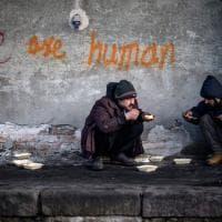 Belgrado sotto zero, migranti al gelo - il reportage