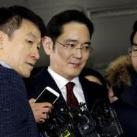 Scandalo tangenti in Sud Corea: chiesto l'arresto del vicepresidente di Samsung