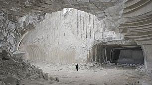 Il fiume di sale nelle viscere della Sicilia    di ATTILIO BOLZONI Foto di ROBERTO BOCCACCINO