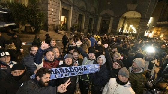"Napoli, Maradona strega il San Carlo: ""Qui mi sento a casa"""