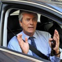 "L'assalto di Bolloré a Mediaset, Agcom pronta a un nuovo stop: ""L'Opa Vivendi sarebbe..."