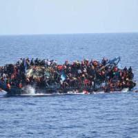 Migranti, il racconto dei superstiti dopo il naufragio a largo delle coste