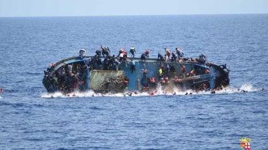 Migranti, il racconto dei superstiti  dopo il naufragio a largo delle coste libiche