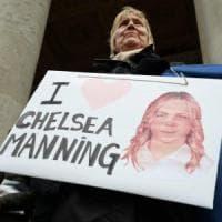 WikiLeaks, Obama concede la grazia a Chelsea Manning: a maggio la scarcerazione
