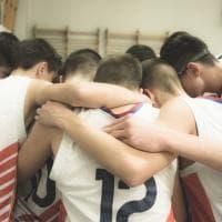 I ragazzini dei Balcani, quel pallone in volo tra i canestri della pace