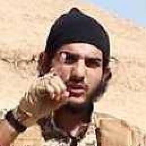 Parigi, identificato kamikaze dello Stade de France: Isis pagò alla famiglia 5mila euro e un gregge