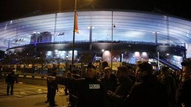 Attentati Parigi, identificato un kamikaze   da Isis a famiglia 5mila euro e un gregge