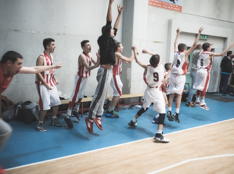 I ragazzini dei Balcani e quel pallone in volo tra i canestri della pace