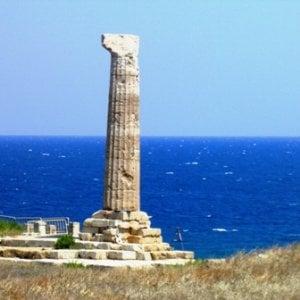 Crotone, sgominato traffico di reperti archeologici
