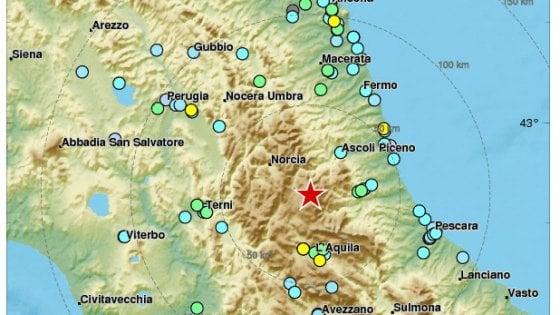 """Sisma Centro Italia, l'Ingv: """"Ecco perché ci sono state quattro forti scosse in un'ora"""""""