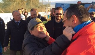 Napoli, festa a Castel Volturno con Maradona: ''Sarò a Madrid con voi''