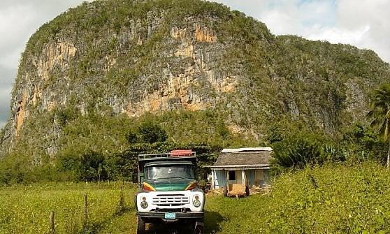 Zuccherifici, case in legno e memorie del Che. L'altra Cuba di Cabibarien