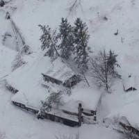 Terremoto, valanga su hotel Rigopiano. Estratta la prima vittima. Due persone in salvo....
