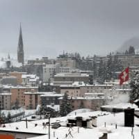Escort, agende piene per il forum di Davos: 1.200 euro per un incontro