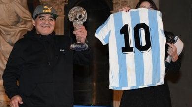 Napoli, durante la cena per Maradona rubata storica maglia della 'mano di Dio'