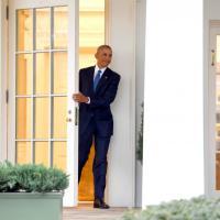 Usa, Obama lascia la Casa Bianca: esce dallo studio ovale per l'ultima volta