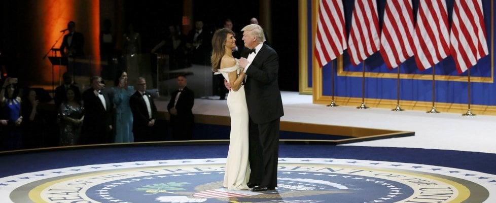 """Donald Trump ha giurato da presidente degli Usa. """"Con me potere torna al popolo"""". Firmato decreto per ridurre Obamacare"""