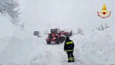 Rischio slavina, evacuata frazione  di Pozza di Acquasanta, nell'Ascolano Maltempo anche in Sardegna: 2 dispersi