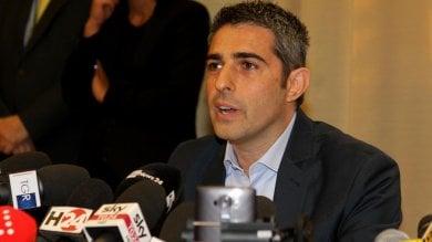 """Parma, Pizzarotti annuncia: mi ricandido """"Non voglio lasciare discorso a metà""""   vd"""
