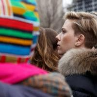 """Marcia anti Trump, in piazza Scarlett Johansson, Charlize Theron e """"combat"""" Jane Fonda"""