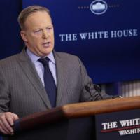 Usa, Sean Spicer, il portavoce di Trump attacca i media