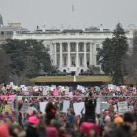 """Trump irride la protesta in rosa: """"Ho visto le manifestazioni, ma perchè questa gente non..."""