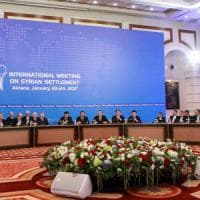 Siria, al via i negoziati di Astana. Usa-Russia, primo bombardamento congiunto su Isis ma Usa smentisce