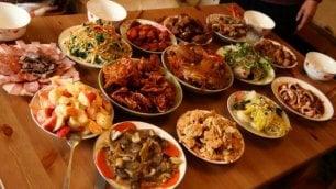 Cina, arriva l'anno del Gallo festa anche in Italia  nei 15 ristoranti top