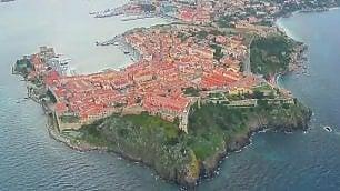 Da Bocca d'Arno a Follonica la costa toscana dall'elicottero