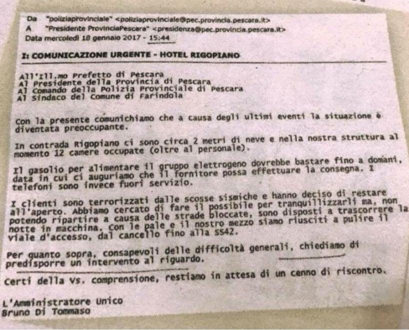 Rigopiano, la mail inviata dall'hotel alle autorità poco prima della valanga