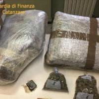 Maxi operazione antidroga: 54 ordini di cattura, sequestrati otto tonnellate di cocaina e...