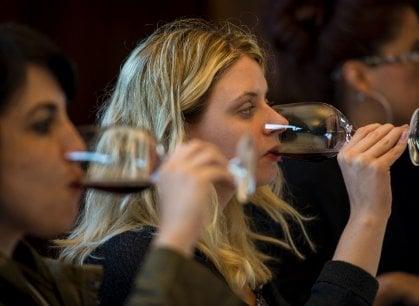 Quanti problemi per le donne del vino, tra sessismo e paghe più basse