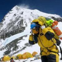 Everest più basso per colpa del terremoto in Nepal: sarà una spedizione