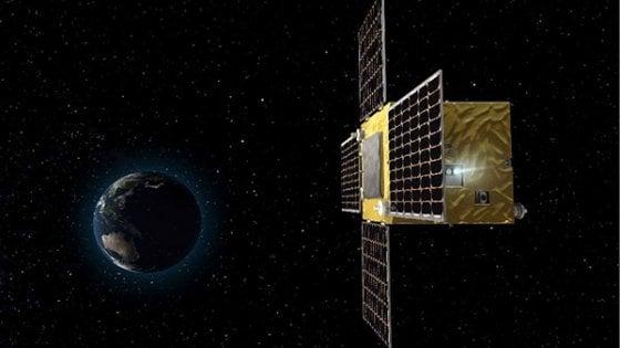 """La sonda spaziale giapponese fa la """"staffetta"""" con Rosetta"""