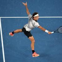 Tennis, storico Federer: batte Wawrinka e va in finale agli Australian Open