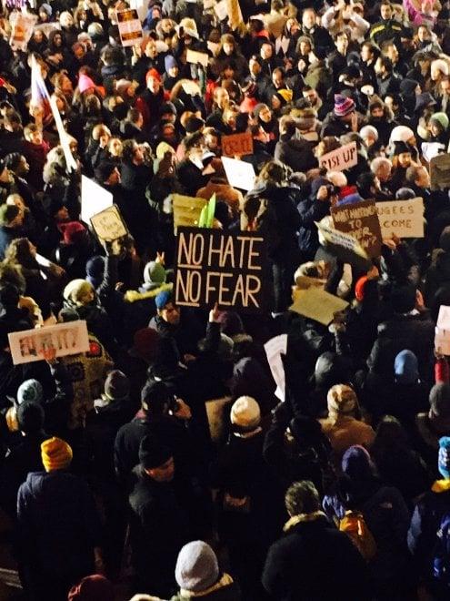 Stop immigrati, la protesta al JFK di New York