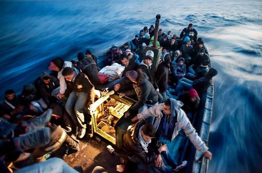 Tunisia-Italia in viaggio con i migranti verso la speranza