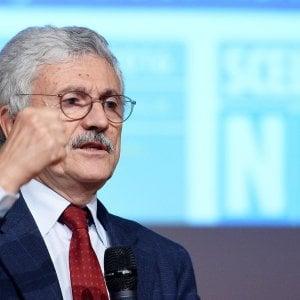 """La sfida di D'Alema: """"Pronti a scissione, nuovo partito vale il 10%"""". Renzi: """"Se torno al governo taglio l'Irpef"""""""