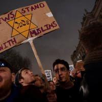 Londra, in strada contro Trump: proteste contro il divieto di immigrazione