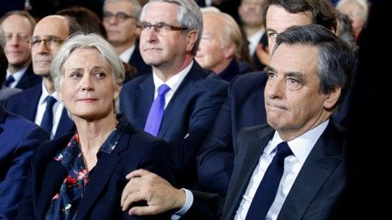 Scandalo Fillon, lavori a moglie e figli per oltre un milione di euro