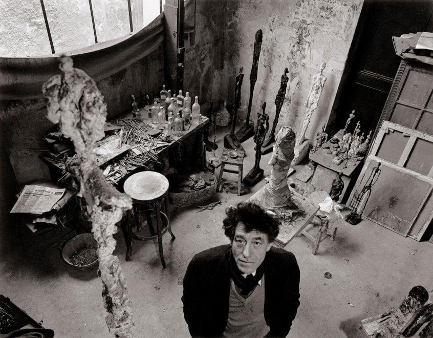 Parigi secondo Robert Doisneau, il fotografo umanista alla ricerca di un mondo perfetto