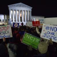 Usa, proteste contro Trump davanti alla Corte Suprema: