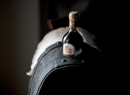 Aceto balsamico, tra botti e invecchiamento i segreti dell'Oro nero