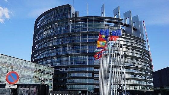 Addio roaming. Il Parlamento europeo lo elimina definitivamente